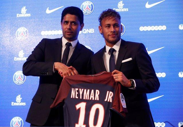 Al-Khelaifi junto a Neymar