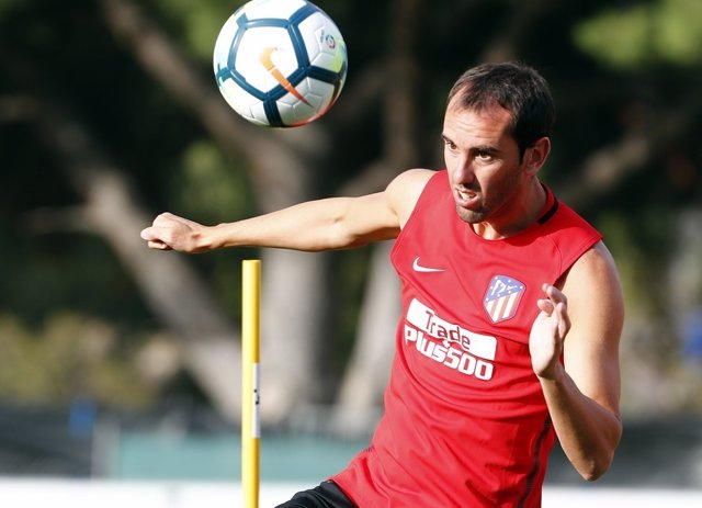 Godín entrenando con el Atlético de Madrid