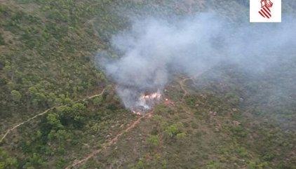 Investigan si un senderista perdido causó un incendio al quemar su mochila para ser localizado en Castellón