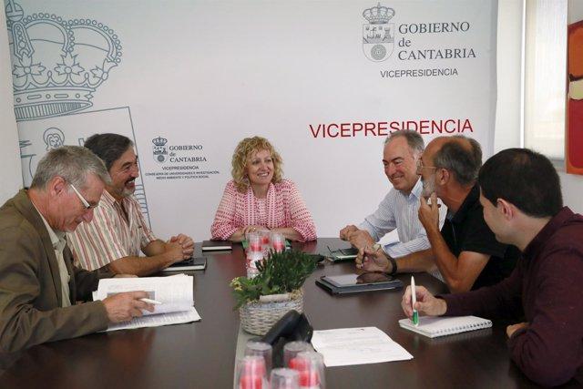 Díaz Tezanos se reúne con representantes de las mesas movilidad