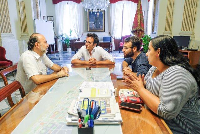 La reunión del Ayuntamiento con representantes de UCCI