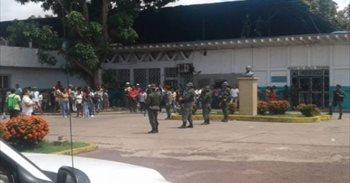 Se inicia la investigación de la masacre en la cárcel de Puerto Ayacucho (Venezuela)