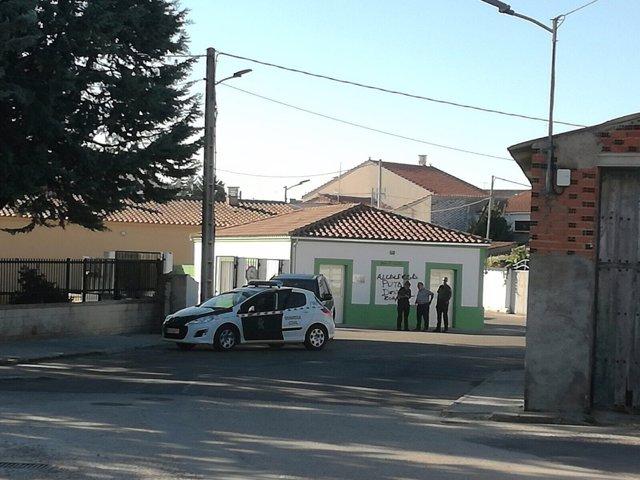 Zamora.- Guardia Civil en el lugar de las pintadas