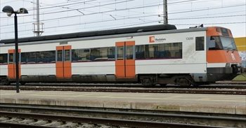 Atentado.- Los Mossos paran un tren en la estación de Garraf (Barcelona)