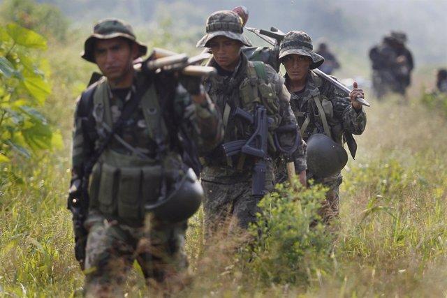 Militares peruanos dedicados a la lucha antidroga