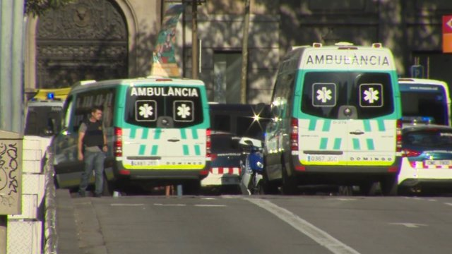 13 muertos y 80 heridos en el atentado en La Rambla