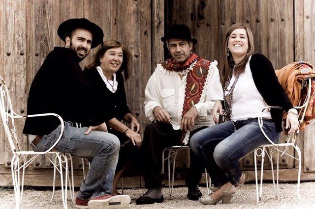 El grupo 'Mayalde'.