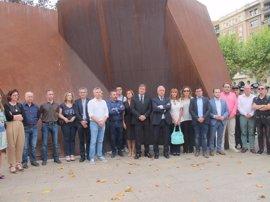 El Monumento a las Víctimas del Terrorismo 'enmudece' en solidaridad con víctimas de Cataluña