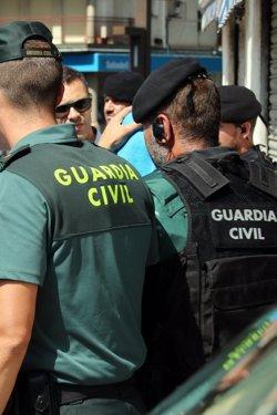 Mossos i Guàrdia Civil s'enduen el segon detingut a Ripoll de casa seva entre una escridassada dels veïns (ACN)