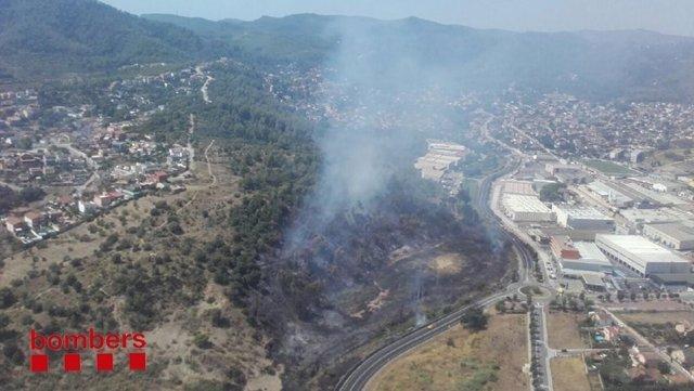 Incendio forestal en Sant Vicenç dels Horts (Barcelona)