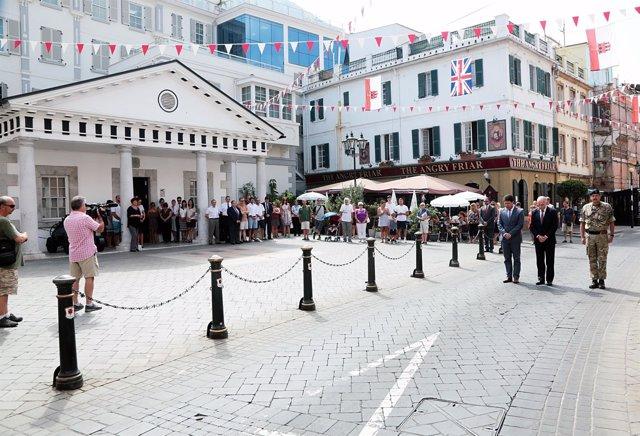 Gibraltar celebra un minuto de silencio en recuerdo de las víctimas de Barcelona