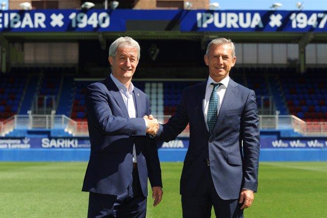 Acuerdo En Ipurua Con La S.D. Eibar. Eibar. (17-8-2017). Foto: Félix Morquecho.