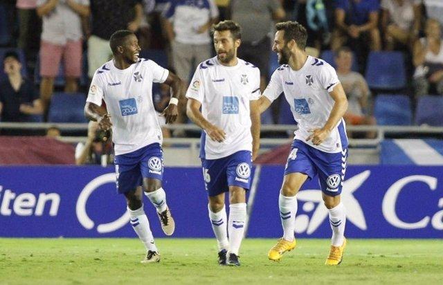 Tenerife y Lorca estrenan con victoria la Liga 1/2/3