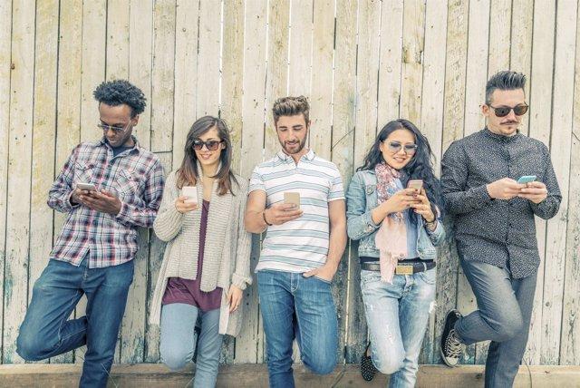 Un estudio de MasMóvil revela que los españoles han dicho adiós al SMS