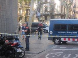 Los Mossos gestionan 130 llamadas y 200 correos sobre los atentados de Barcelona y Cambrils