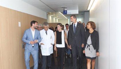 Los Reyes Don Felipe y Doña Letizia muestran todo su cariño a los heridos en el atentado de Barcelona