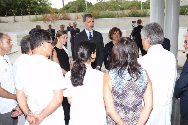 Los Reyes visitan junto a Monserrat a los heridos tras el atentado en Barcelona
