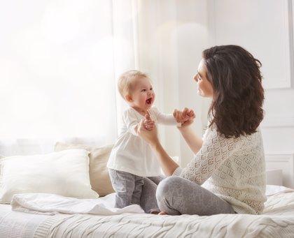 Las españolas entre las que más posponen la maternidad en la UE