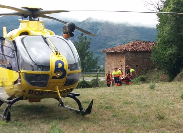 Rescate de ciclistas heridos en Somiedo.