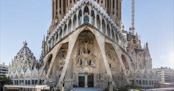La Sagrada Familia acogerá el domingo una misa con los Reyes, Puigdemont y alcaldes