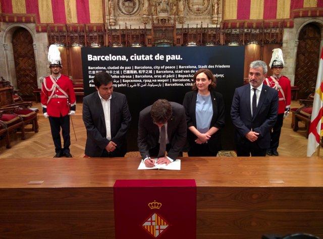 Pte.C.Puigdemont i alcaldessa A.Colau