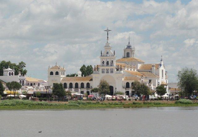 Imagen De La Ermita De El Rocío En Almonte (Huelva)