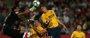El Atlético salva un empate con 10 en el estreno de Montilivi
