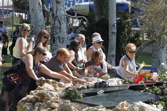 Homenaje a las víctimas de Spanair