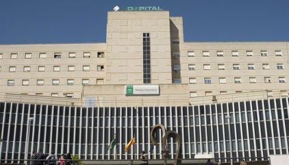 Fallece una mujer tras quedar atrapada su cabeza en un ascensor en el hospital de Valme