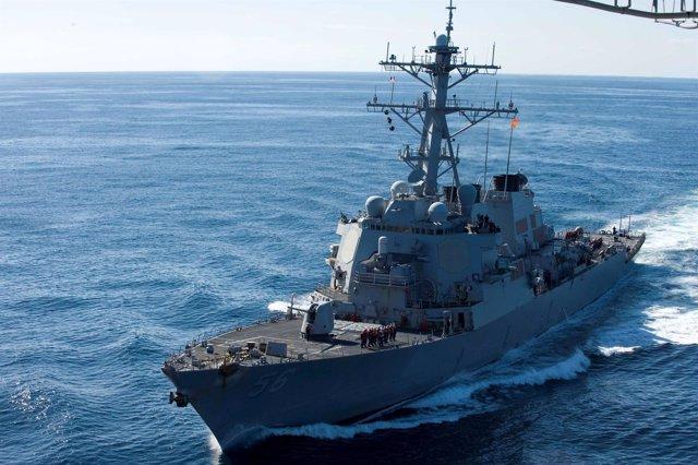 El destructor estadounidense USS John S. McCain