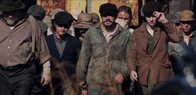 James Franco, Selena Gómez, Bryan Cranston y Ed Harris 'En lucha incierta'