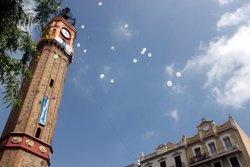 El Pirineu romànic i nevat de la Travessia de Sant Antoni guanya el concurs de carrers de la Festa Major de Gràcia (ACN)