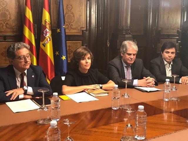 I.Millo, S.Saénz de Santamaría, A.Dastis i G.Pisarello en la reunió