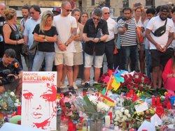 Atemptat.- 10.500 persones signen el llibre de condolences de Barcelona i 13.300 el virtual (EUROPA PRESS)