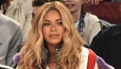 Beyoncé presume de curvas dos meses después de haber dado a luz a sus mellizos