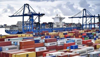 El déficit comercial sube un 40,7% hasta junio tras un nuevo récord en exportaciones e importaciones