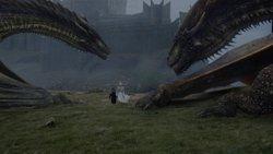 """Emilia Clarke analiza la """"devastadora"""" pérdida de Daenerys en el 7x06 de Juego de tronos (HBO)"""