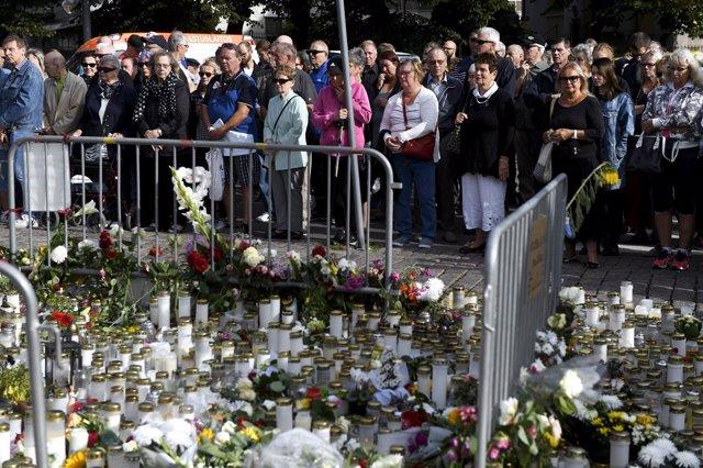 Homenaje a las víctimas del apuñalamiento en Turku (Finlandia)