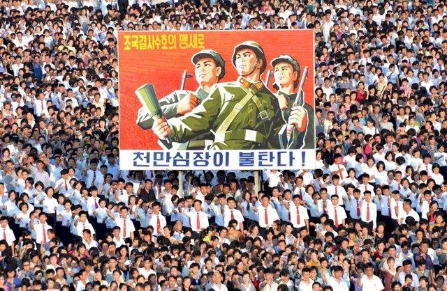 Manifestación de apoyo al régimen en Pyongyang