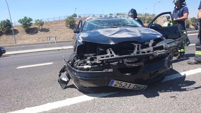 Detenidos tras robar un coche y ser perseguidos por la Policía en Madrid