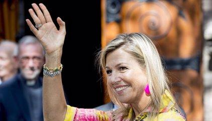 Máxima de Holanda reaparece tras la muerte de su padre