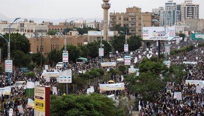 Más de 30 muertos por un ataque aéreo sobre un hotel cerca de Saná