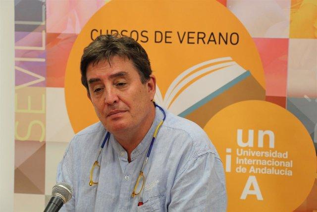 Luis García Montero, en los cursos de la UNIA en Baeza (Jaén)