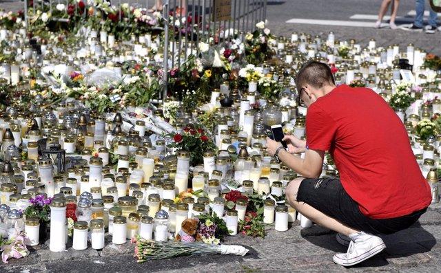 Homenaje a las víctimas del ataque en Turku