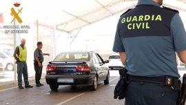 Localizados en Almería 32 indocumentados ocultos en los bajos de vehículos en la primera mitad de la OPE