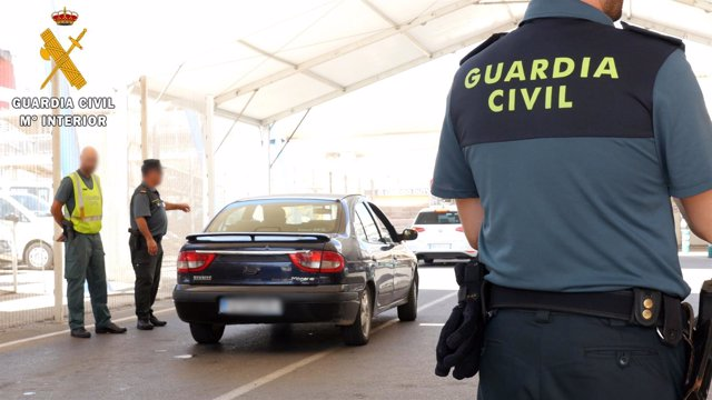 Guardia Civil en sus labores