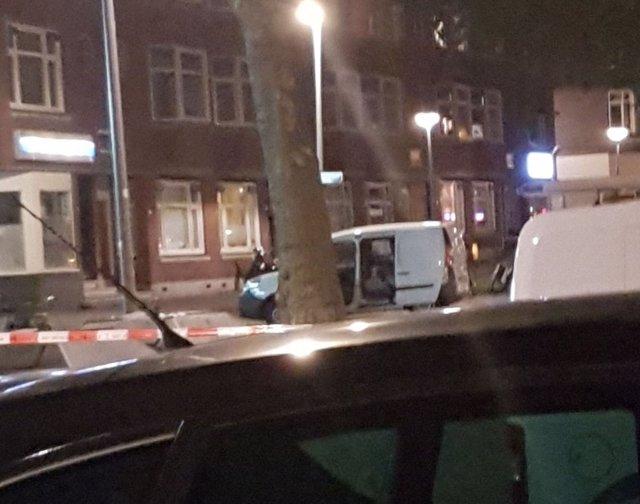 Camioneta con matrícula española cargada de bombonas de gas en Róterdam