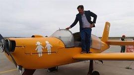 Valores en Baleares da la bienvenida avioneta de Hazte Oír que este jueves vuela sobre Palma