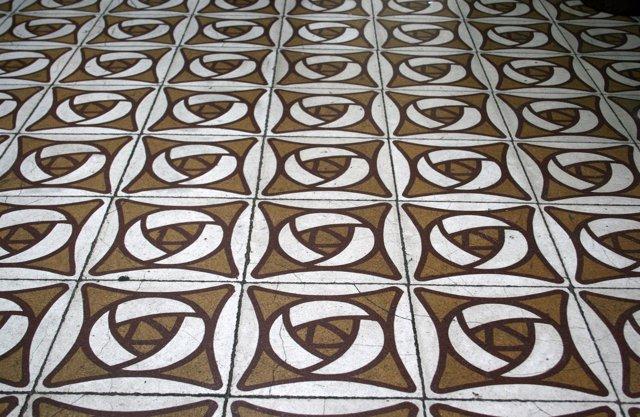Mosaico hidráulico del paseo Maragall, 225 en Horta-Guinardó (Barcelona)