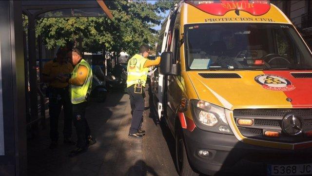 Ambulancia del Samur en el lugar del suceso